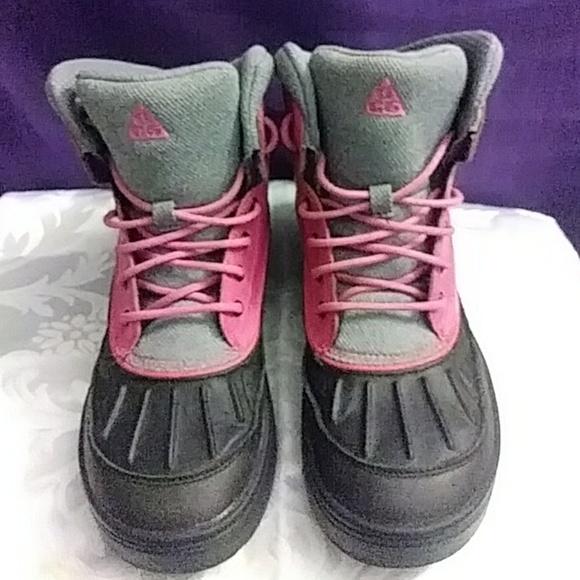 4c4ed59d55 Nike Winter Boots. M 5b7f8265819e90b6f9bc2036